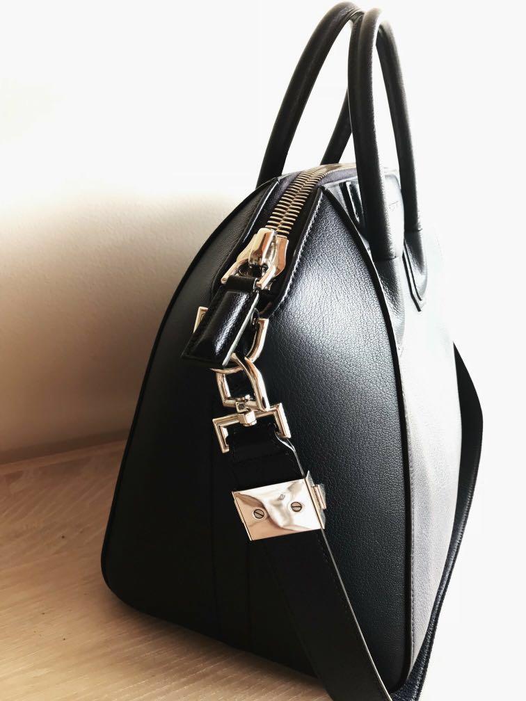 GIVENCHY Antigona Sugar leather tote