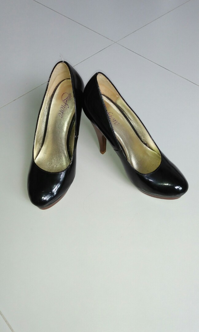 68f80f36c76 High heel shoes 4.5inches, worn few times