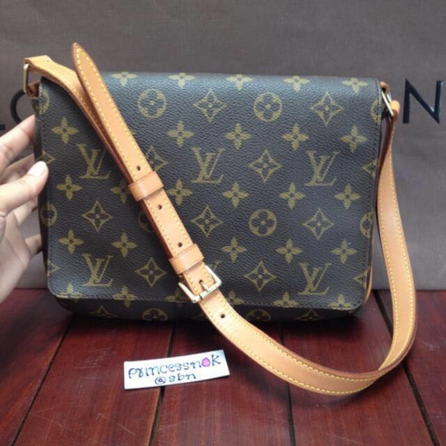 efe8546828 Louis Vuitton, Luxury, Bags & Wallets, Handbags on Carousell