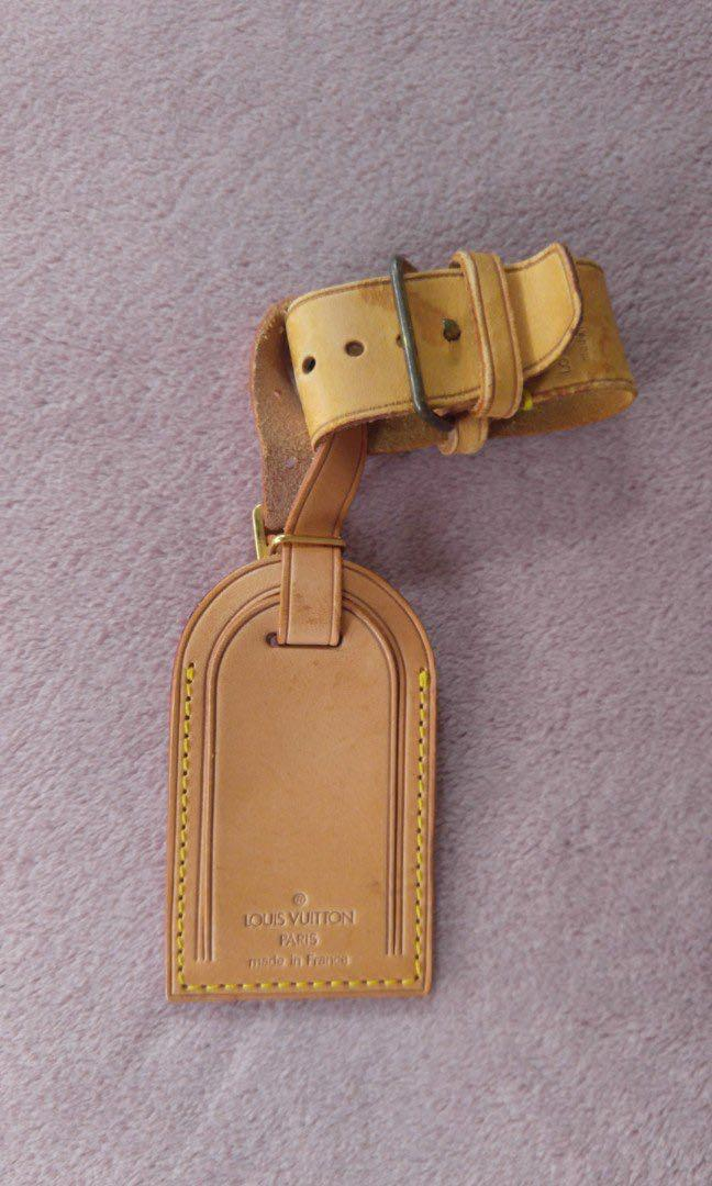 Lv baggage tag and holder (1)