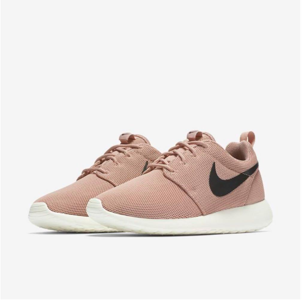Nike Pink Roshe 1