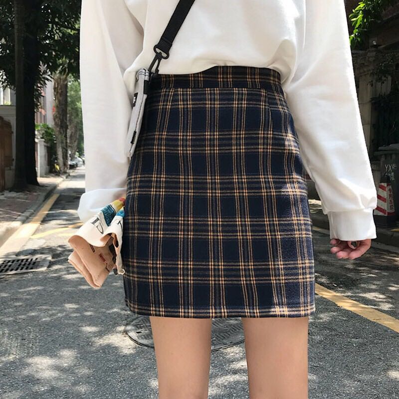 68757d62d Retro Plaid Skirt, Women's Fashion, Clothes, Dresses & Skirts on Carousell