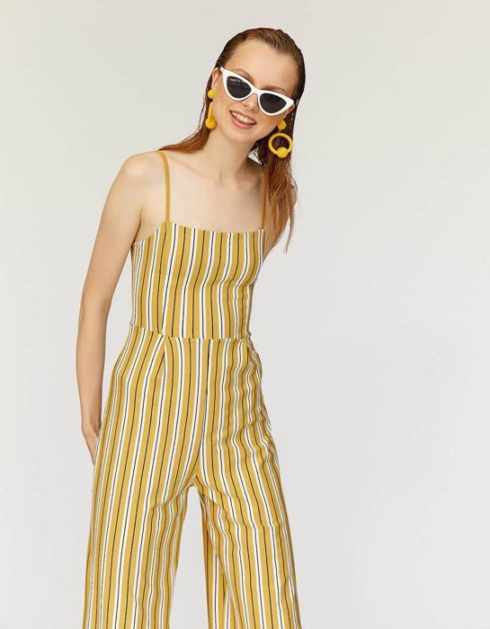 ddbe44803256 Stradivarius Strappy Culottes Jumpsuit in Yellow Stripes, Women's Fashion,  Clothes, Rompers & Jumpsuits on Carousell