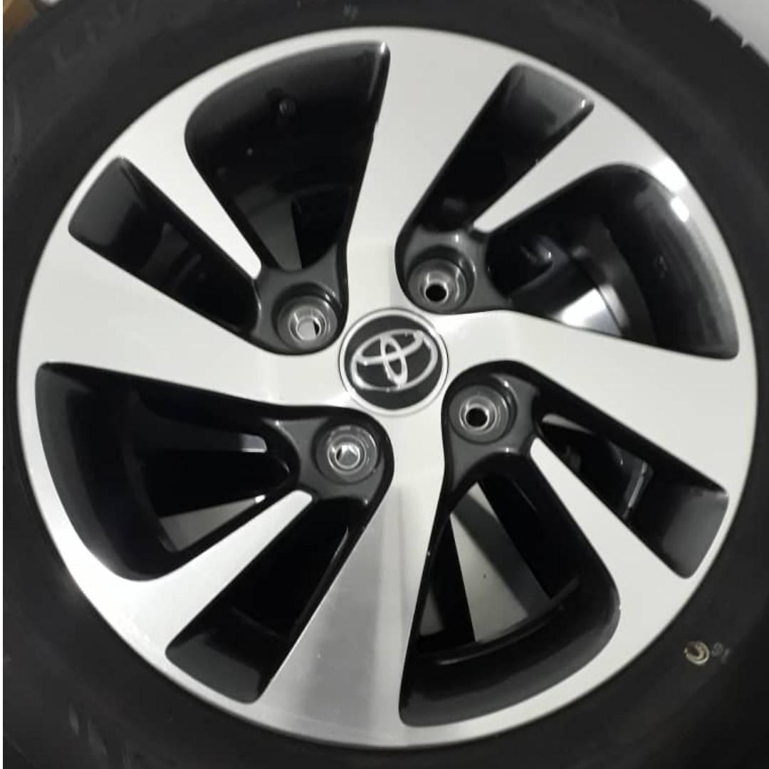 Toyota Avanza Original Rim With Tyre on