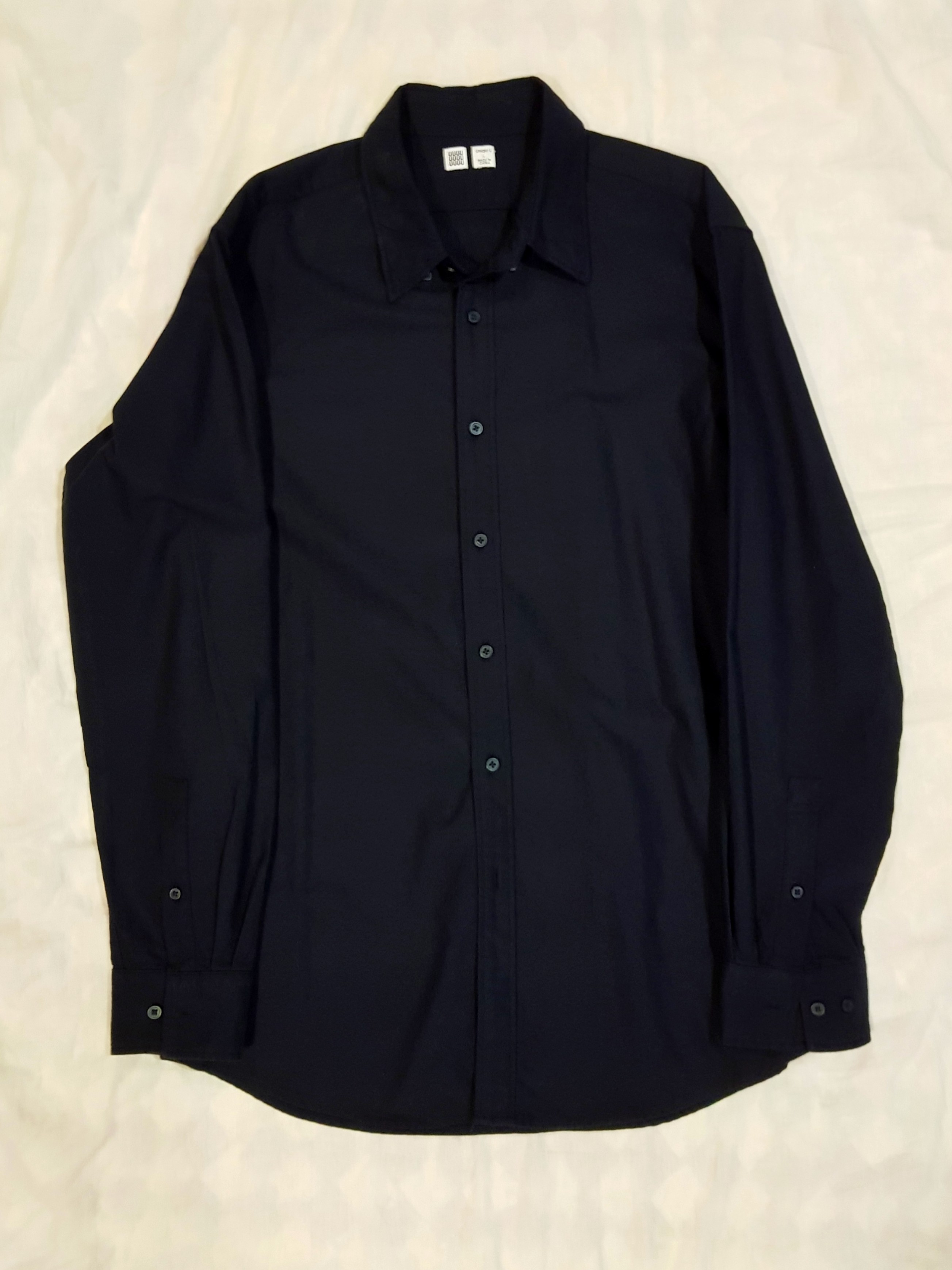 18afcd09e1 Uniqlo U oxford shirt, Men's Fashion, Clothes, Tops on Carousell