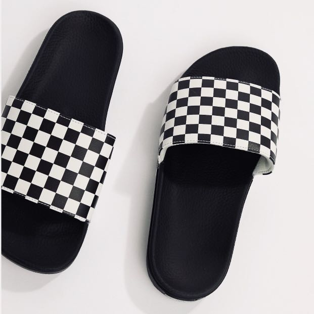 3aaa2f2fc vans checked slides us9, us10, Men's Fashion, Footwear, Slippers & Sandals  on Carousell