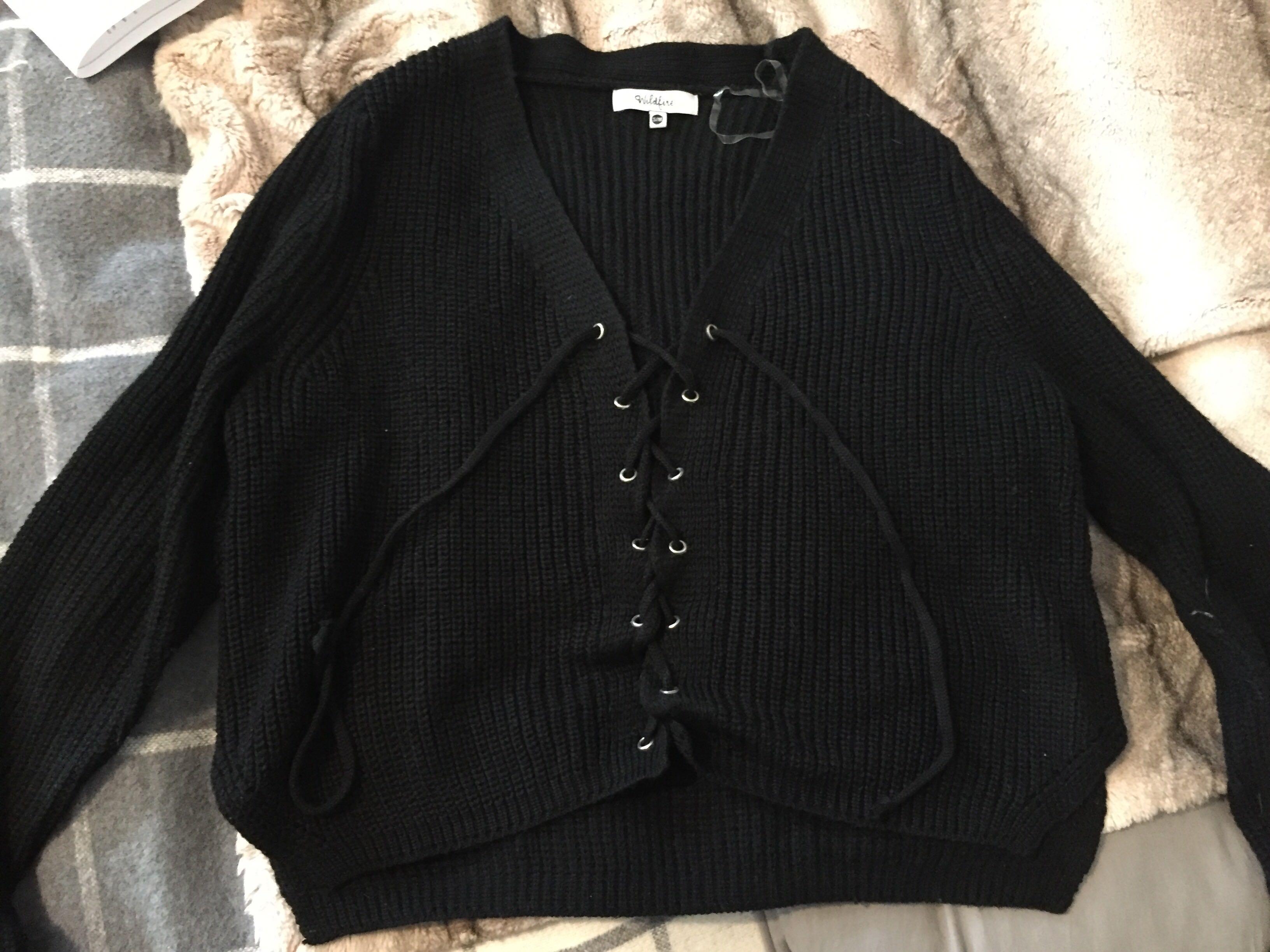Wildfire knit long sleeve sweater/shirt