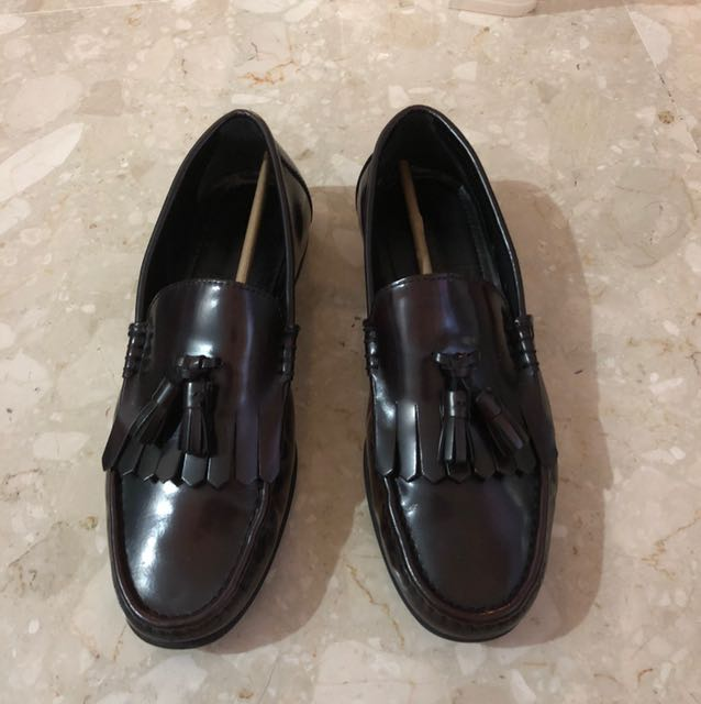 29be1ab84a3 Zara Burgundy leather Loafers