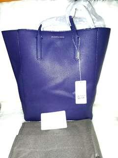 AUTJWNTIC OVERRUN CHARLES AND KEITH LONG HANDLE TOTE