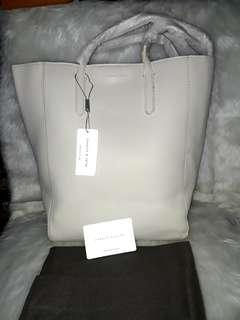 AUTHENTIC OVERRUN CHARLES AND KEITH LONG HANDLE TOTE