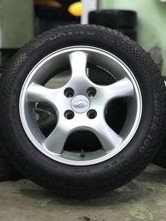 Hyundai accent 14 inch sports rim tyre 70%