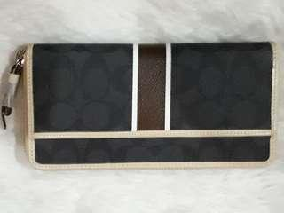 AUTHENTIC OVERRUN COACH LONG WALLET SOLD AS IS