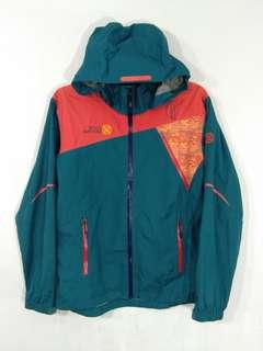 Wild rovers hiking windbreaker