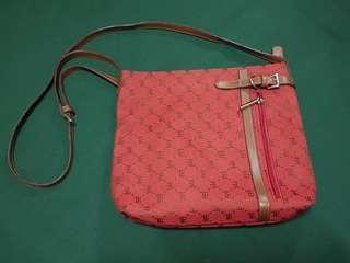 Cassis sling bag