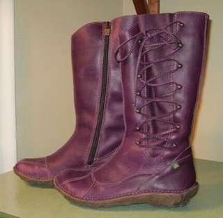 El Naturalista Boots size 37(6.5-7)