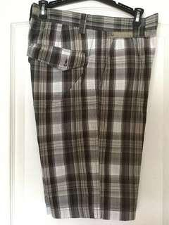 RW & Co Black and white plaid shorts. Size 30. Men's/Teen Boys. EUC