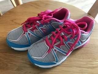 New Balance Girl shoe