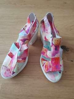 Shoes Sz 36/37