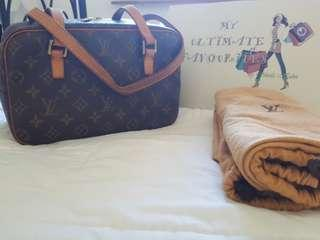 Authentic Louis Vuitton Cite MM