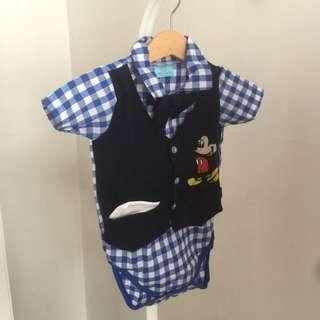 New Baby suits sz 6m