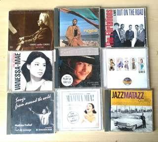 英文歌曲+音樂CD,52隻,碟片9成新,外套8成新。播放全正常。