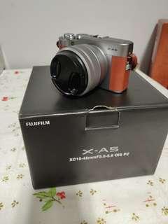 Fujifilm XA 5.... As good as new..see pics