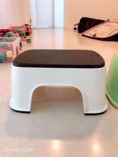 BabyBjorn toddler stool