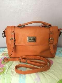 Vincis Bench Orange Bag