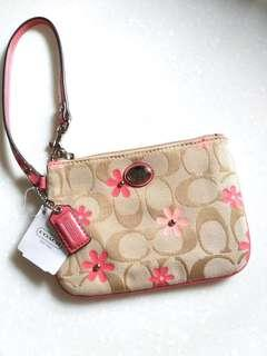 Coach Daisy Floral Canvas Small Signature Wristlet