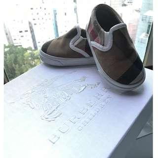 Burberry baby shoes with box ( 包郵 )