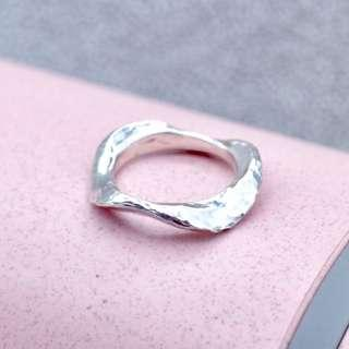 🚚 Hafro Tigarpaws silver hammered ring, textured ring, geometric, irregular shape, fashion ring, unique ring, silver ring, PR007