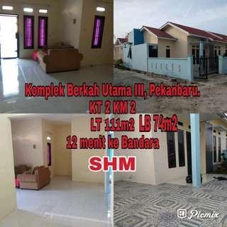 Rumah Di Komplek 12 menit dari Bandara SSK II Pekanbaru
