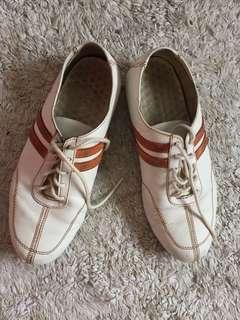 Hush Puppies White Shoes