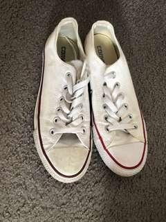 Woman's Converse Sneakers - White