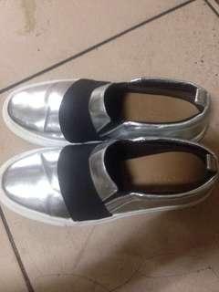 🚚 ZARA休閒鞋