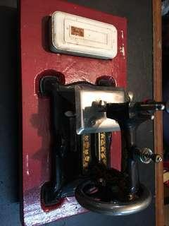 Antique sewing machine (small)