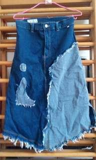 🚚 近全新 牛仔裙 牛仔長裙 特別的剪裁 便宜出清