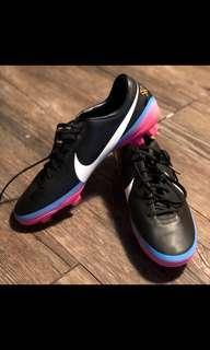 Nike mercurial vapour V superfly football shoes (women's) - NEW