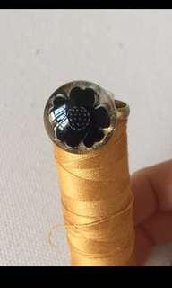 古董鈕戒指 ring