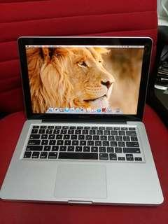 MacBook Pro i7 13 inches 2011 all apps ready for study
