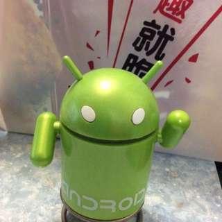 Android 座枱公仔 有收音機聽,可放SD 咭聽錄下的歌,音質也不錯。USB 充電。有盒。有缐。
