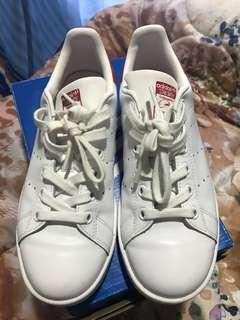 Repriced!!! Stan Smith US 5 (Authentic)