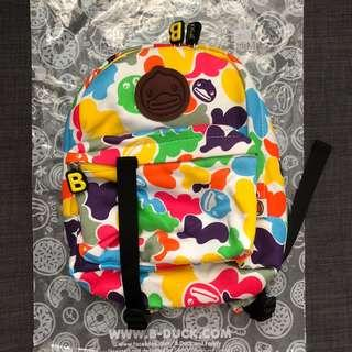 B. DUCK backpack 背囊