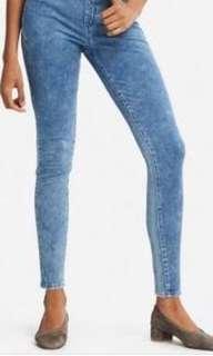 Preloved Uniqlo women denim acid wash leggings pants