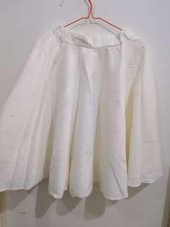 Rok Flair in broken white