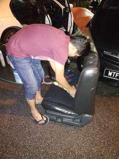 Kami pakar dalam servis pembersihan seat/kusyen/carpet/ kenderaan anda..