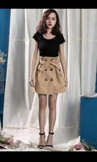 🚚 [當日出貨]Elf 雙排扣高腰綁帶短裙-卡其 L號 網紅推薦款 mooncat mercci
