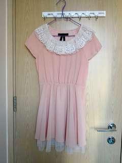 名牌粉色雪紡連身裙
