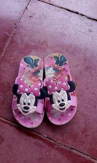 Sendal Minnie Mouse size 27