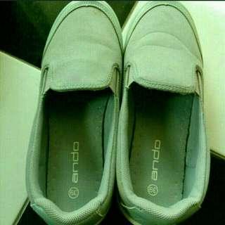 Sepatu ando